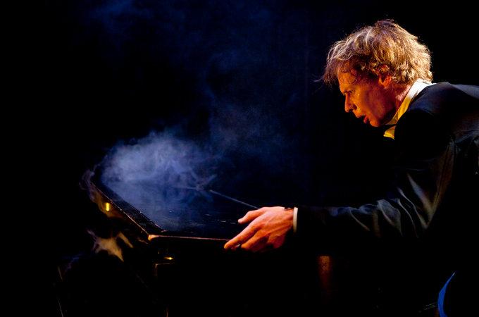 Thomas Monckton / Circo Aereo, The Pianist | Photo: Heli Sorjonen