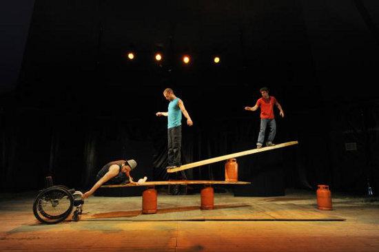 Cirque Inextremiste, Extrêmités | Photo: Jean Pierre Etournet