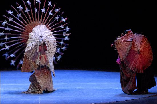 Le Cirque Invisible   Photo: Brigitte Enguerand